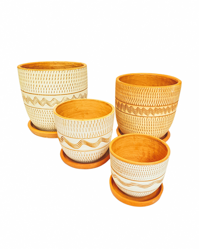 ALL WHITE ENGRAVED HIGH CURVED POT SET X4