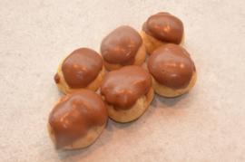 Profiteroles met chocolade per 100gr