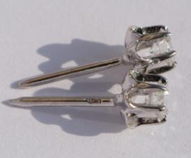 14 kt gouden oorbellen 0.20 ct diamanten