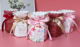 Giftbox Candy Box  'Specially For You' With Ribbon and Pearlhanger Medium