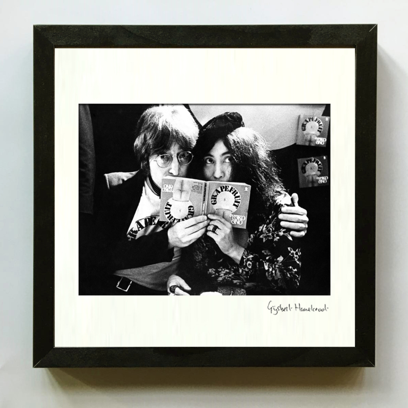 John Lennon en Yoko Ono door Gijsbert Hanekroot