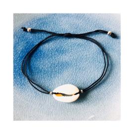 Blank - Kauri schelpenbandje (een schelpje)