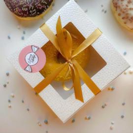 Donut box gouden lint | Give - a - way - box | 4 stuks
