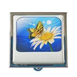 Pillendoosje bloem met vlinder