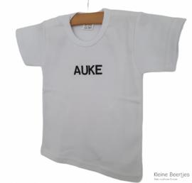 T-shirt wit met naam geborduurd