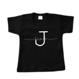 T-shirt met letter en naam zwart