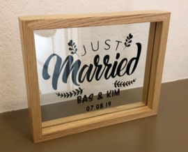 Lijst Just Married namen en trouwdatum op glas