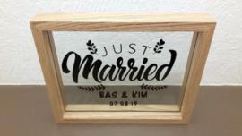 Lijst Just Married namen en trouwdatum op glas