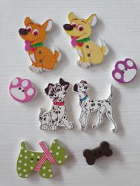 Hondjes houten knopen 8 stuks
