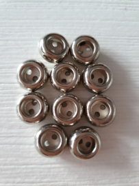 Bolle zilverkleurige knoopjes 10 stuks