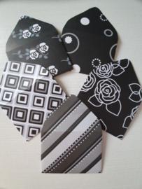 Zwart witte mini enveloppen 5 stuks