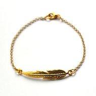 Armband met veer goud (2 maten)