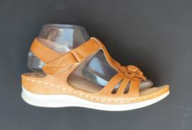 YQ 2005 sandaletten camel  maten 36 t/m 41