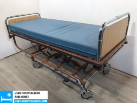 70 PCS. STIEGELMEYER 3-SECTION HYDRAULIC HOSPITALBED NR 22B