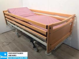 35 PCS. SCHELL 3-SECTION ELEKTRIC HOSPITALBED NR 12