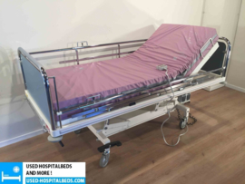 71 PCS. SCHELL 2-SECTION ELEKTRIC HOSPITALBED NR 06A