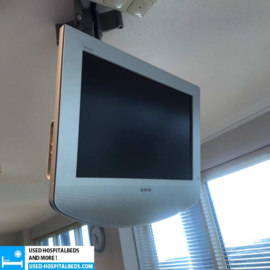 CEILING MOUNTED MONITORS
