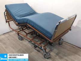 70 PCS. STIEGELMEYER 3-SECTION HYDRAULIC HOSPITALBED NR 22B