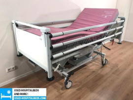 10 PCS. SCHELL 3-SECTION ELEKTRIC USED HOSPITALBEDS NR 09