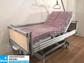 20 PCS. VOLKER 3-SECTION ELEKTRIC HOSPITALBED NR 00B