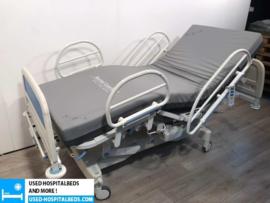 22 PCS. HUNTLEIGH CONTOURA 3-SECTION ELEKTRIC USED HOSPITALBED NR 53