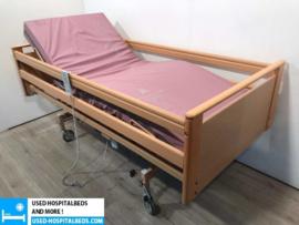 60 PCS. STIEGELMEIJER 3-SECTION ELEKTRIC USED HOSPITALBEDS NR 09A