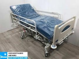 80 PCS. HUNTLEIGH CONTOURA 3-SECTION ELEKTRIC USED HOSPITALBED NR 51