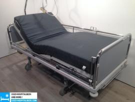 58 PCS. SCHELL 3-SECTION ELEKTRIC HOSPITALBED NR 05