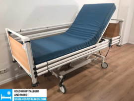 6 PCS. SCHELL 3-SECTION ELEKTRIC HOSPITALBED NR 07A