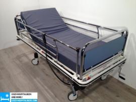 12 PCS OOSTWOUD 3-SECTION ELEKTRIC HOSPITALBED NR 14