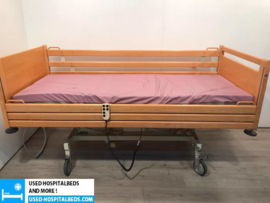 50 PCS. STIEGELMEIJER 3-SECTION ELEKTRIC USED HOSPITALBEDS NR 09