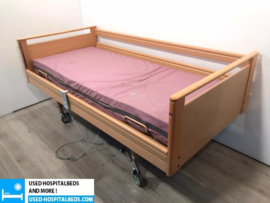 60 PCS. STIEGELMEIJER 3-SECTION ELEKTRIC USED HOSPITALBEDS NR 09A
