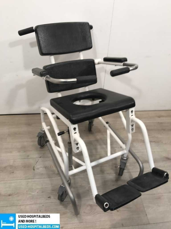 1 pcs shower / toilet wheel chairs