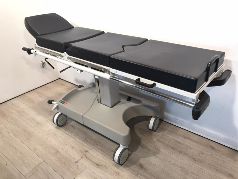 HUNTLEIGH MOBILE HYDRAULIC LIGHT WEIGHT OPERATING TABLE