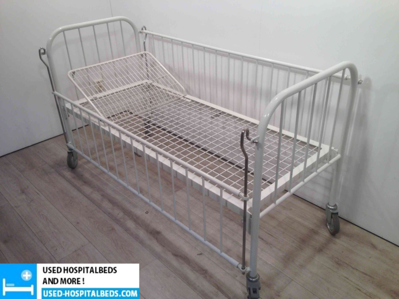 "2 PCS. WISSNER BOSSERHOFF CHILDREN BED ""DEBBY"""