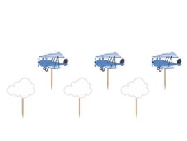 Cupcake prikkers jaardag wolkjes en vliegtuig