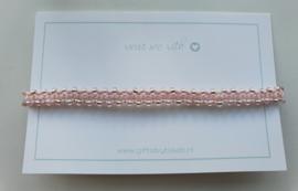 Geknoopte armband met miyuki glaskralen baby roze