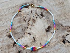 Ketting rocailles + schelp regenboog (goud)