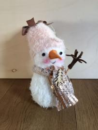 """Handgemaakt kerstfiguurtje """"Sneeuwman roze muts"""""""