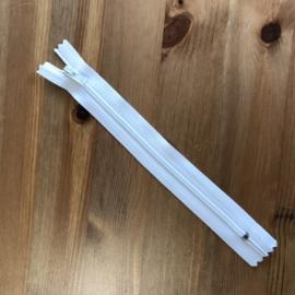 Gesloten kunststof spiraalrits  3mm tandjes Wit 18 cm