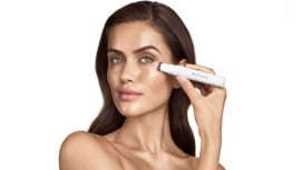 Verzorg de kwetsbare, tere, dunne en gevoelige huid rondom de ogen
