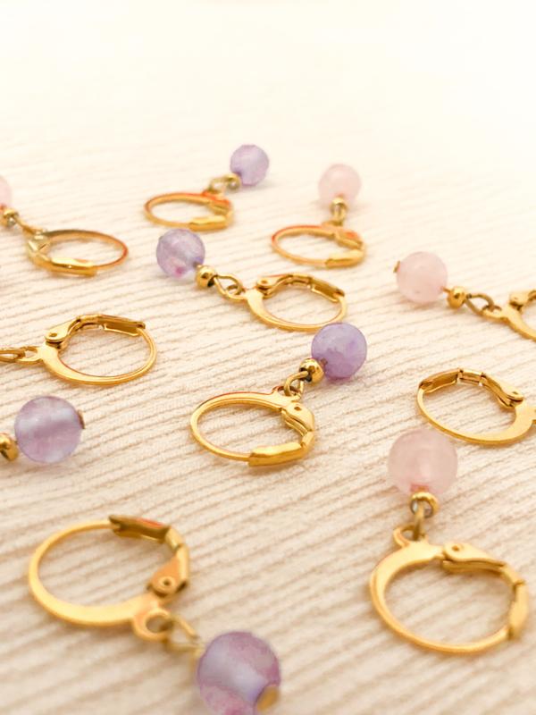 Oorbellen lila opaal goud