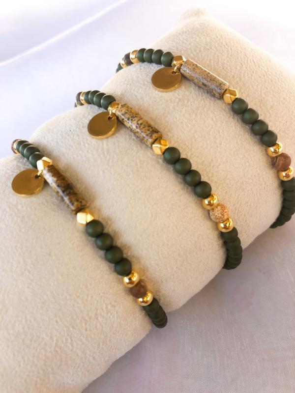 Armbandje natuursteen olijf goud