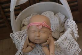 newborn tieback zalm