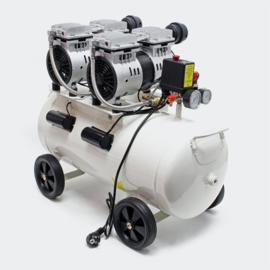 Olievrije luchtcompressor met 50L-tank 2HP 220l/m en 2x750W