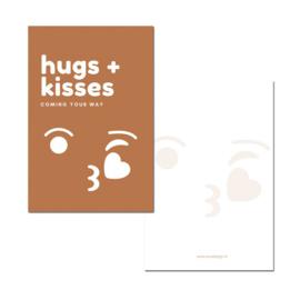Hugs + Kisses cognac   PER 5 STUKS )