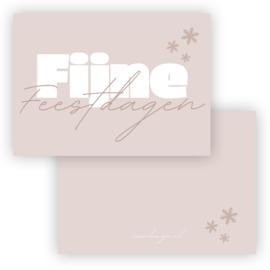 Mini kerst kaart Fijne feestdagen roze ( PER 5 STUKS )