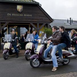 Picknick Box + Scooterhuur Dagdeel | voor 2 pers