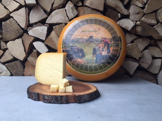 Boer Spierings Jong Belegen Kaas   circa 250 gram