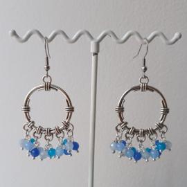 Bohemian oorbellen met blauwe edelstenen mix